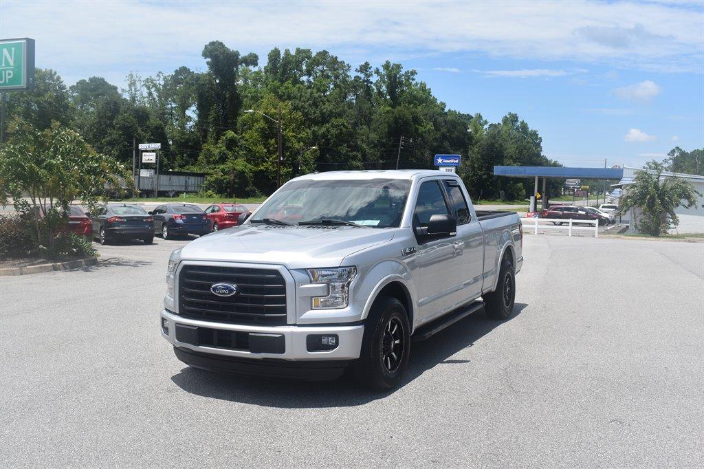 2015 Ford F150 XLT photo