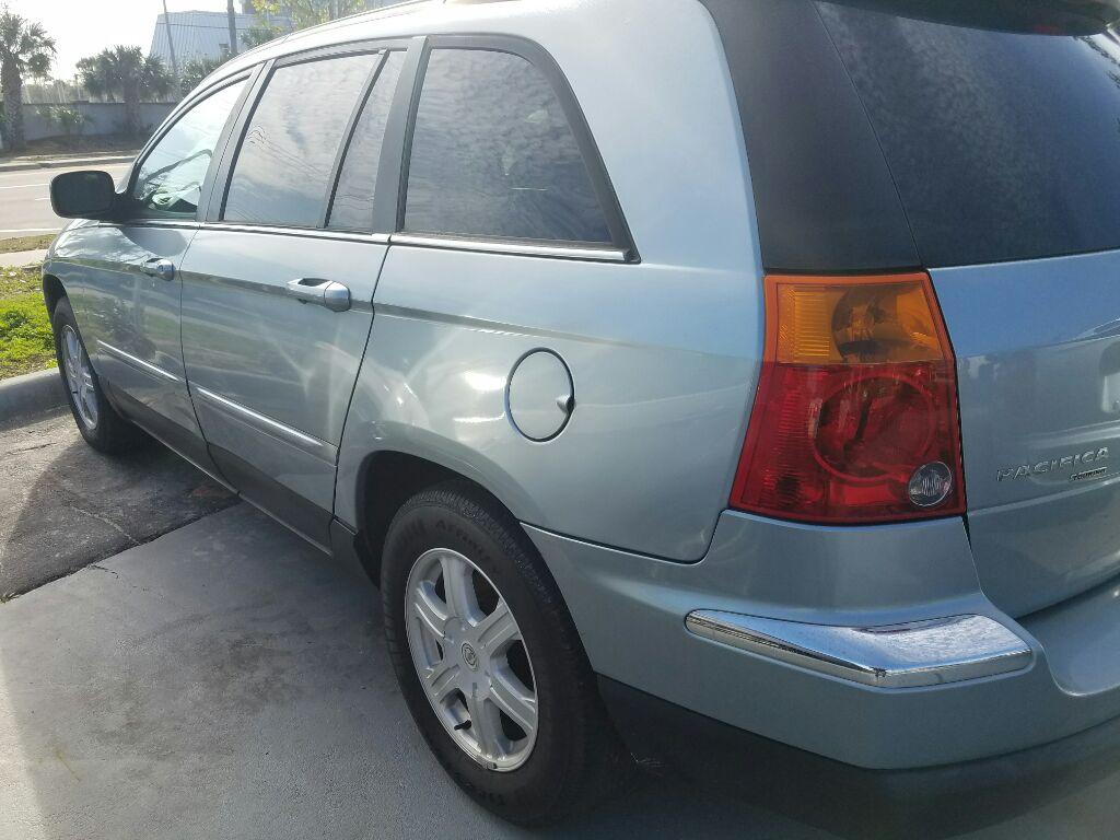 2006 Chrysler Pacifica Touring photo