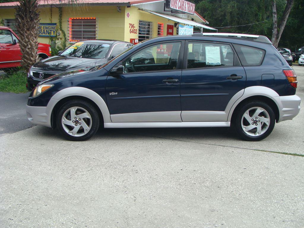 2004 Pontiac Vibe photo