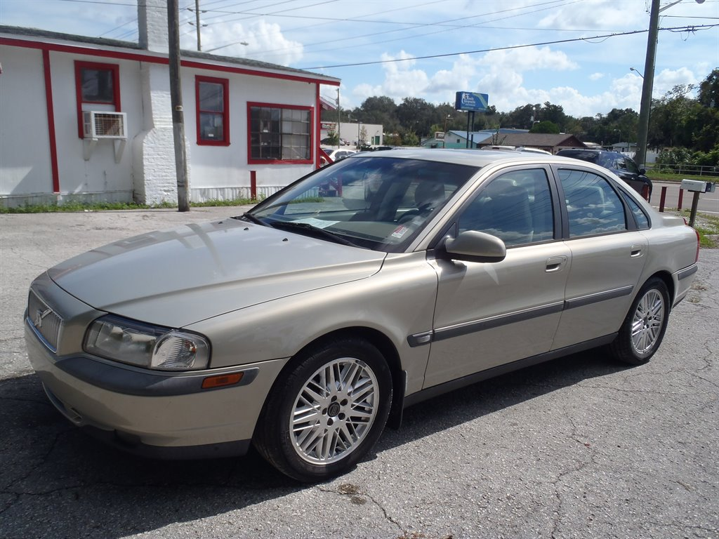 The 2001 Volvo S80 T6