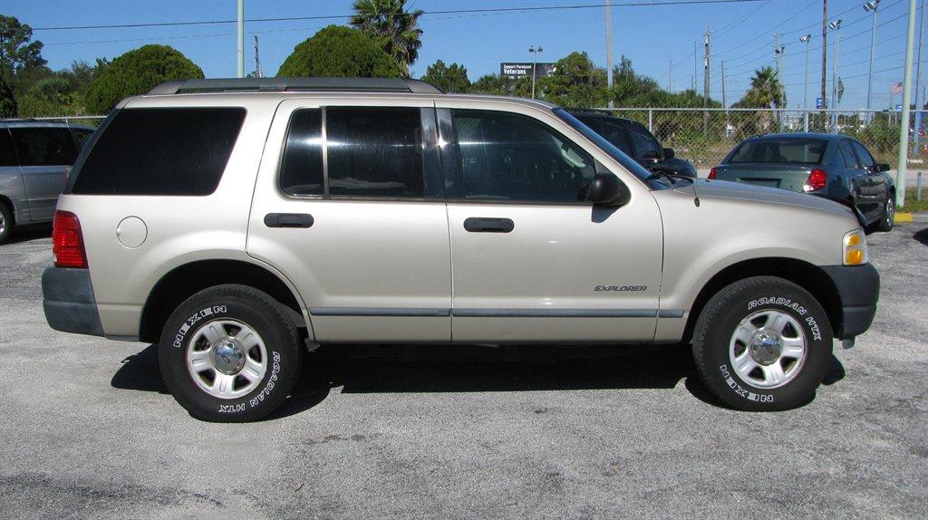 2005 Ford Explorer XLS photo