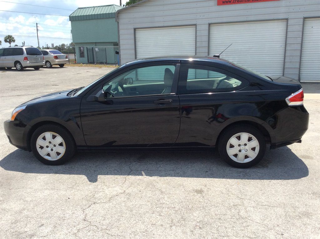 2008 Ford Focus S photo
