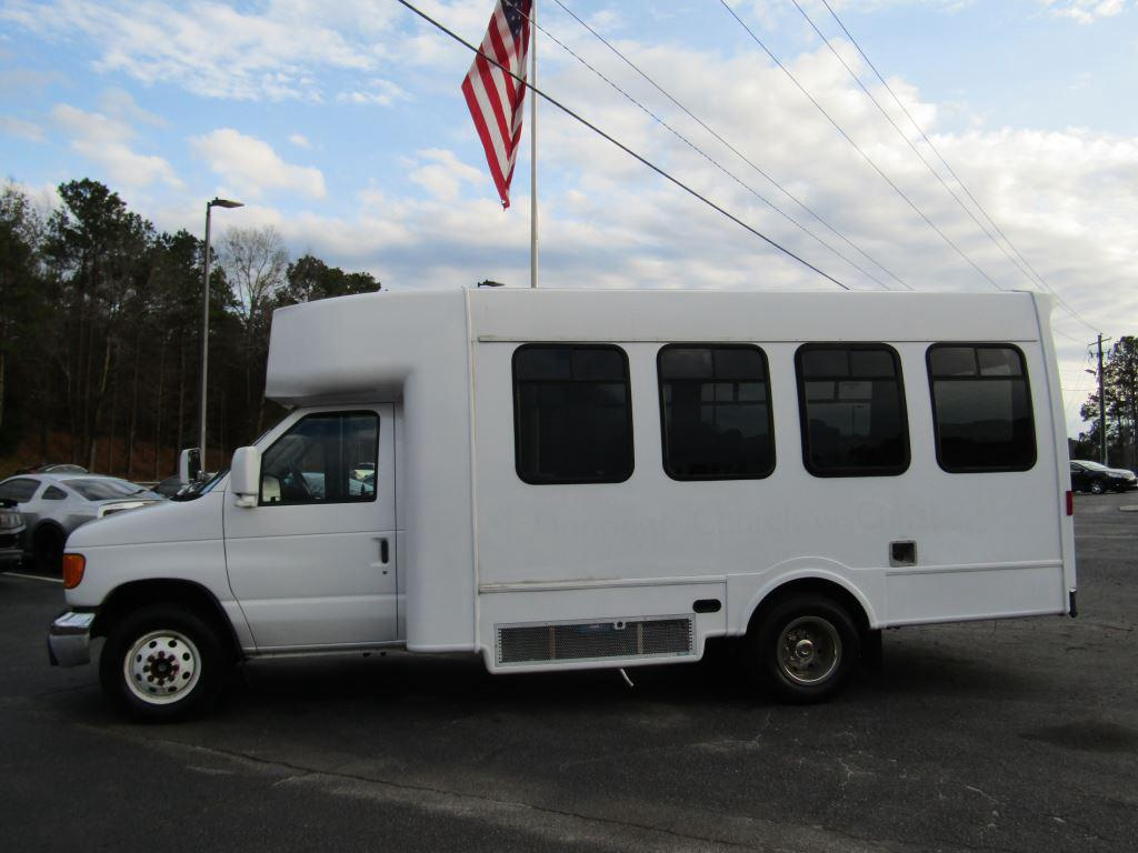 2004 Ford Commercial Vans  photo