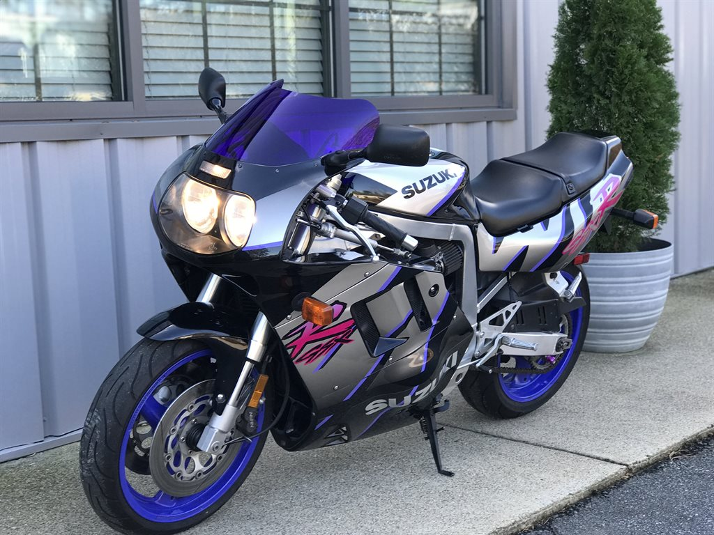 The 1992 Suzuki GSXR 750  photos