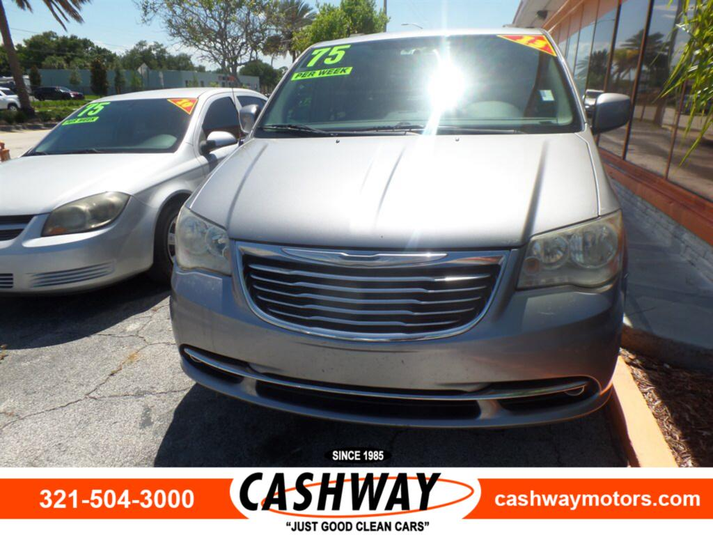 2013 Chrysler Town & Country Touring photo