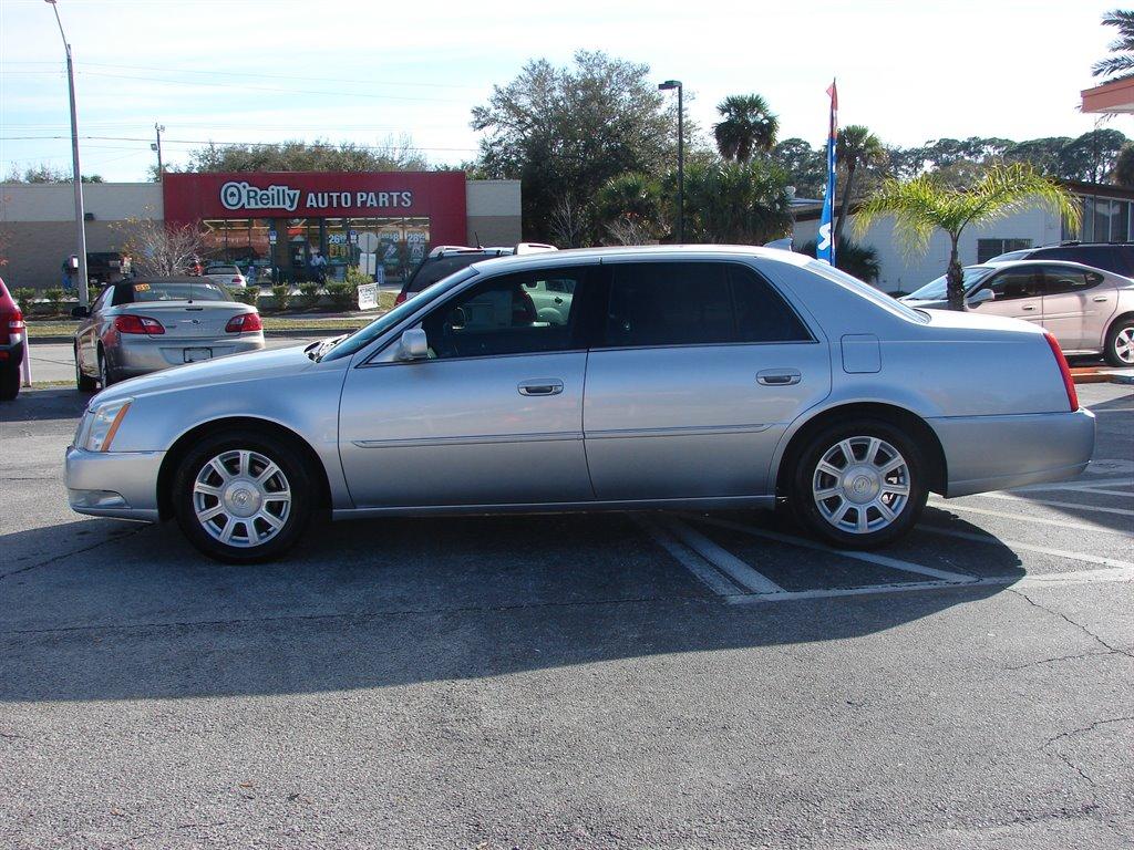 2010 Cadillac DTS 4.6L V8 photo