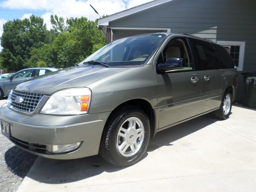 2005 Ford Freestar SEL photo