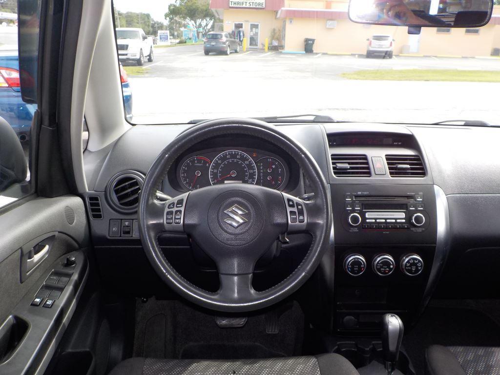 2008 Suzuki SX4 photo