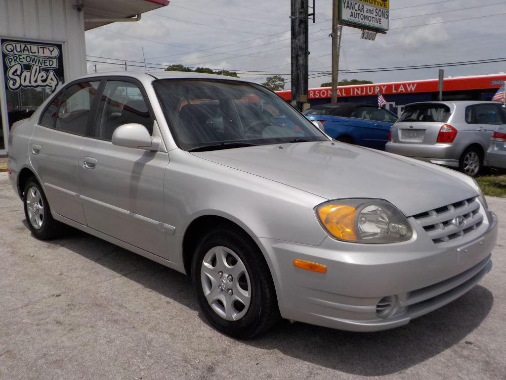 The 2004 Hyundai Accent GL photos