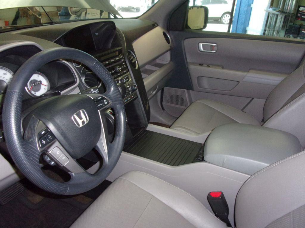 2013 Honda Pilot LX photo