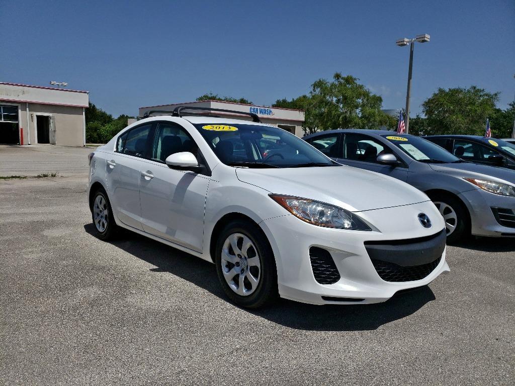 2013 Mazda Mazda3 i SV photo