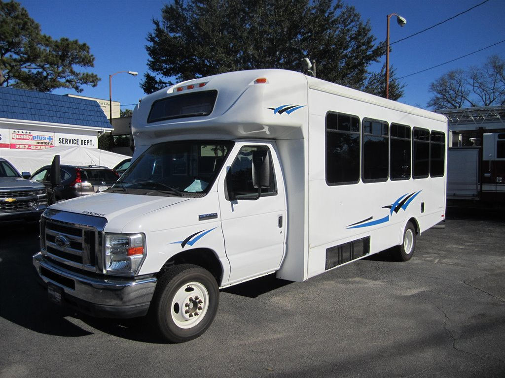2012 Ford Commercial Vans E450 photo