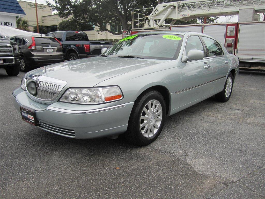 2007 Lincoln Town Car Signature photo