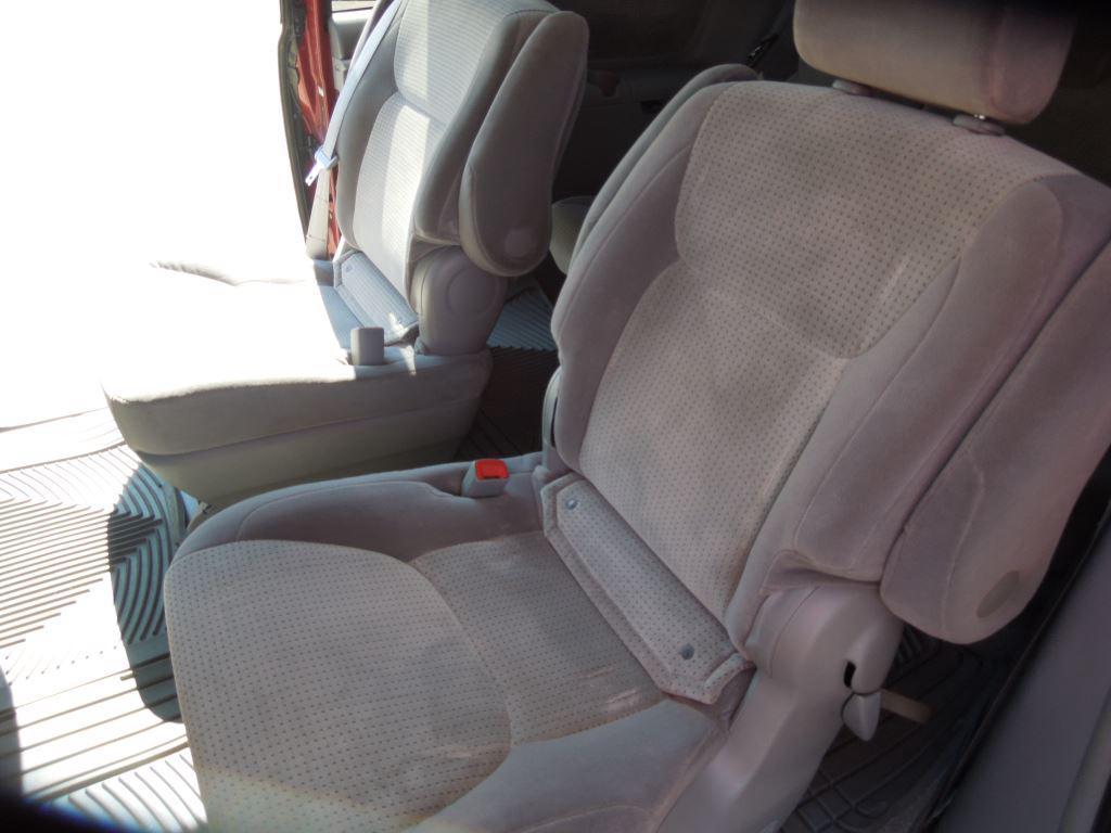 2008 Toyota Sienna CE 8-Passenger photo