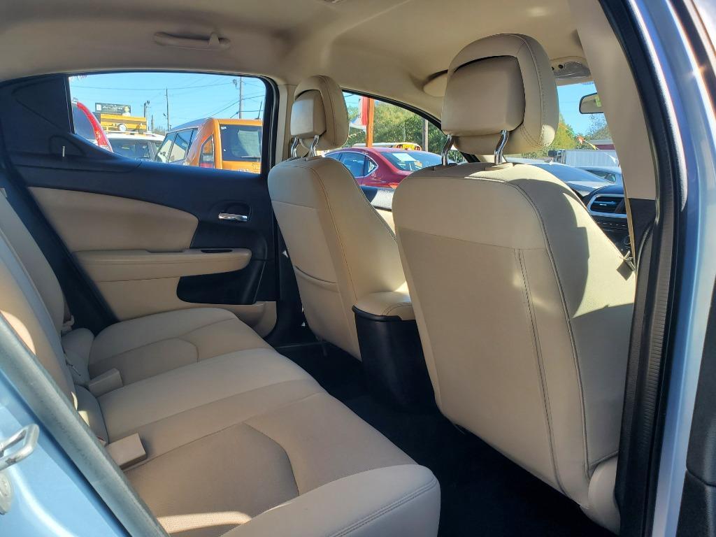2013 Dodge Avenger SE photo