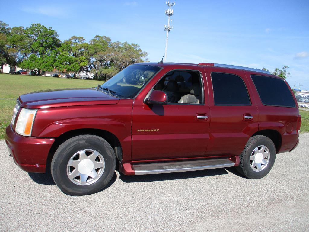 2002 Cadillac Escalade photo