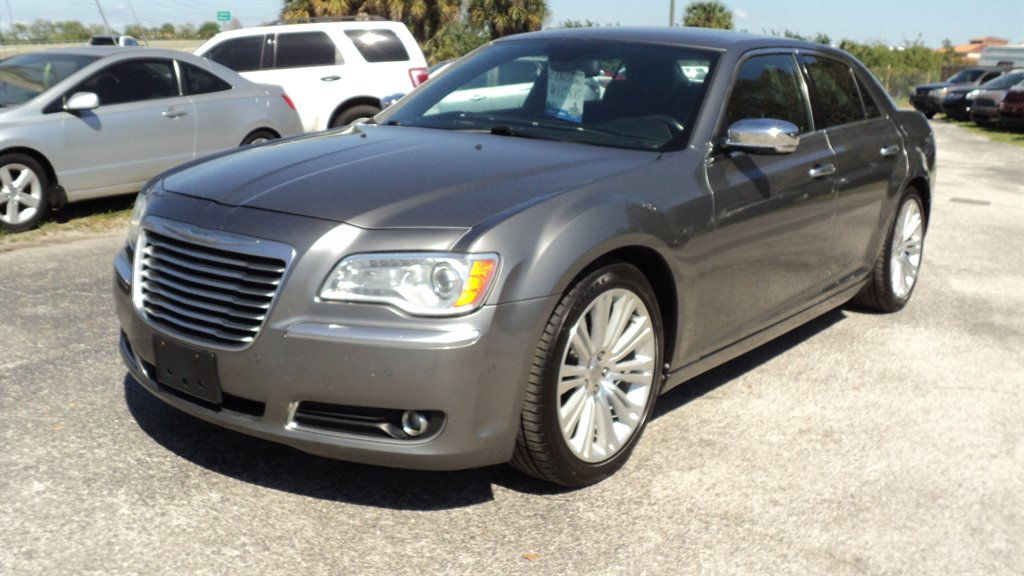 2012 Chrysler 300 C Luxury Series photo