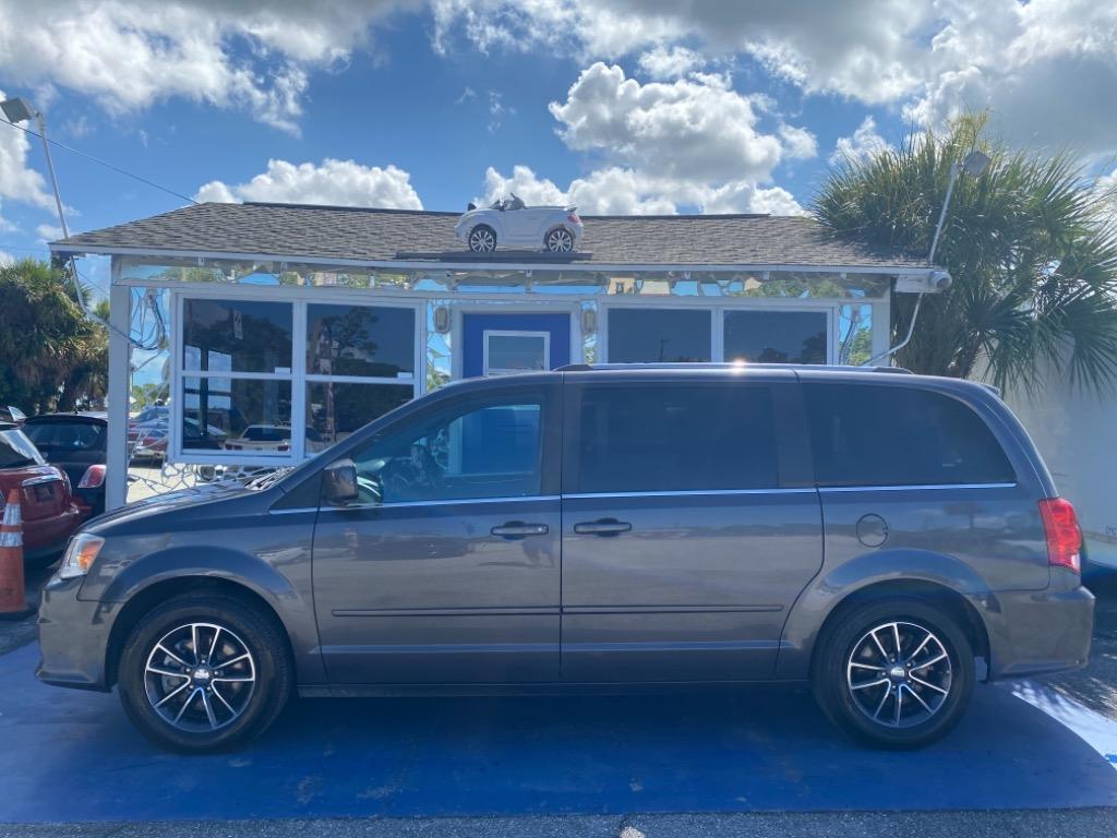 2017 Dodge Grand Caravan SXT photo