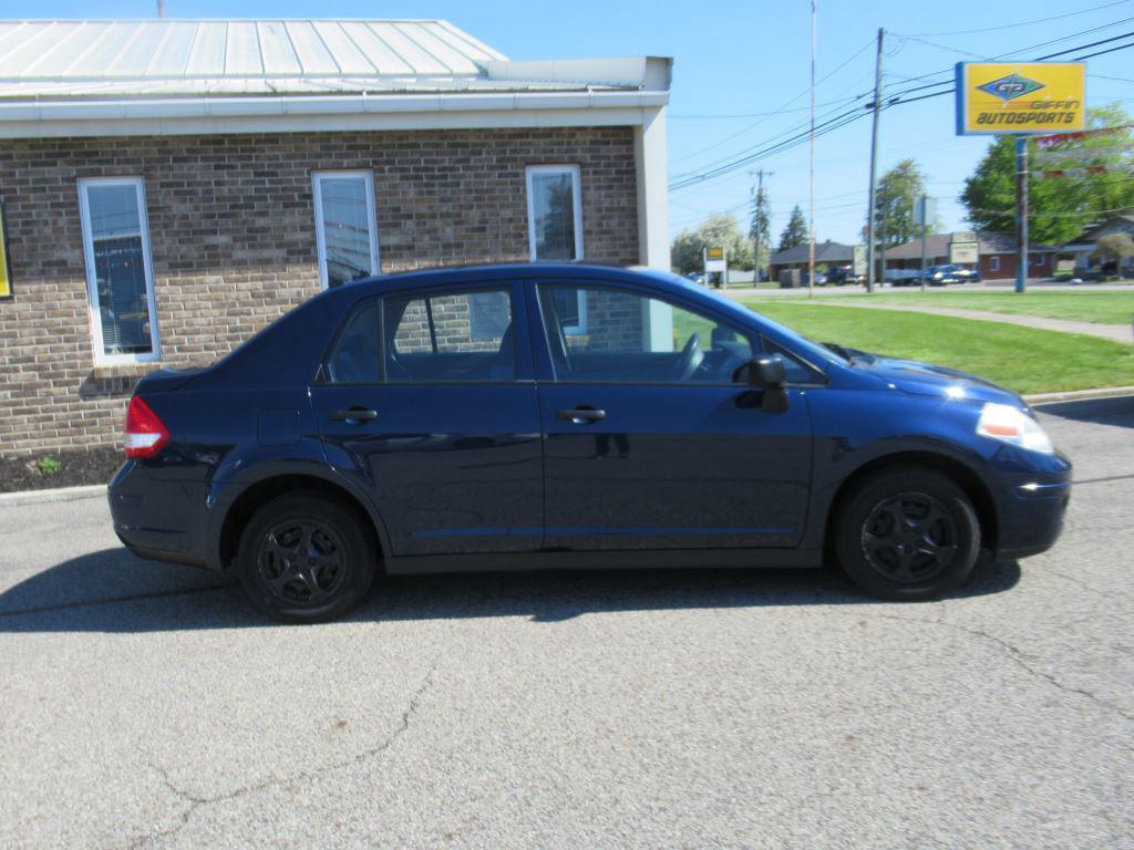 2009 Nissan Versa 1.6 photo