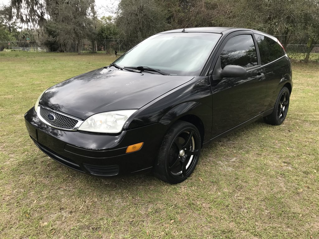 2007 Ford Focus ZX3 S photo