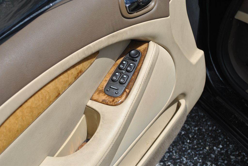 2006 Jaguar S-Type 3.0 photo