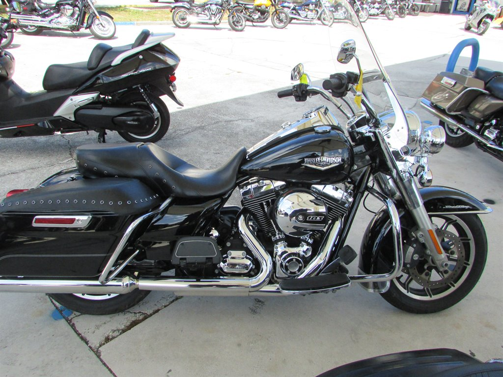 2015 Harley-Davidson Road King Tour Cruiser