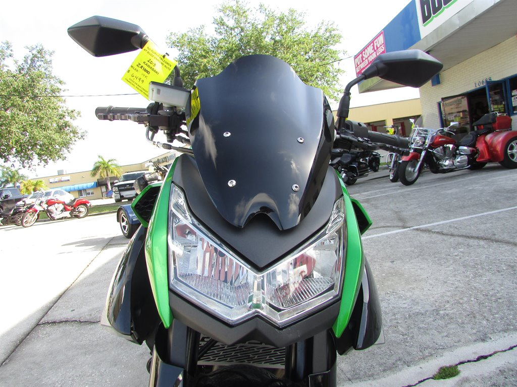 2013 Kawasaki ZR1000 Sports Bike photo