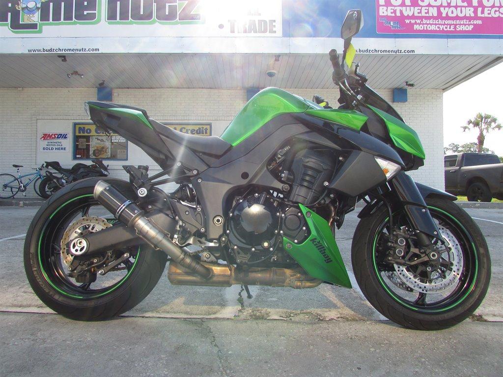 The 2013 Kawasaki ZR1000 Sports Bike photos