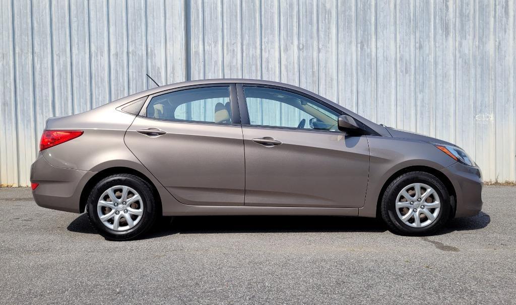 2014 Hyundai Accent GLS images