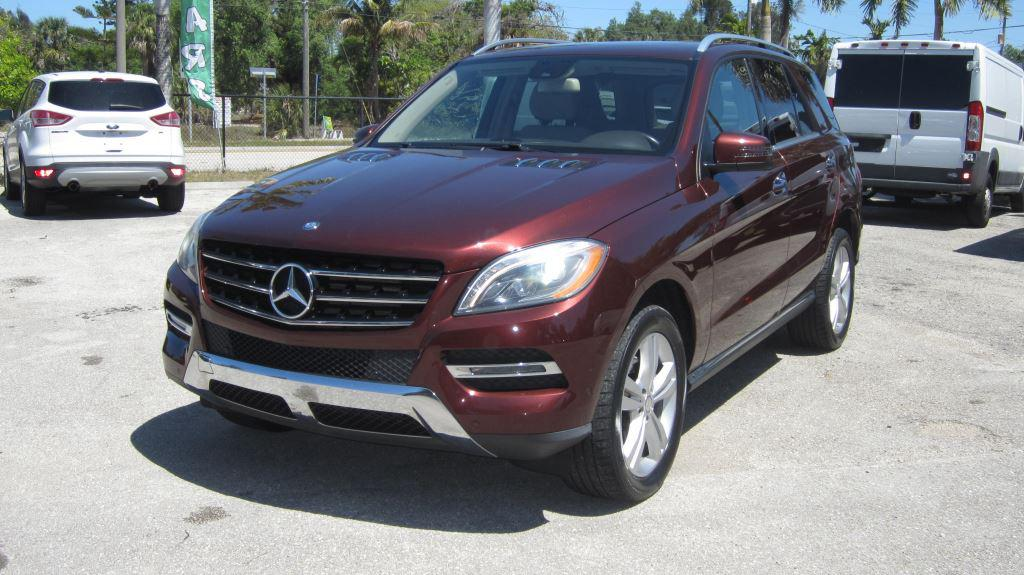 2014 Mercedes-Benz M-Class ML350 4MATIC photo