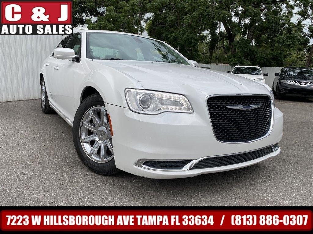 2015 Chrysler 300 Limited photo