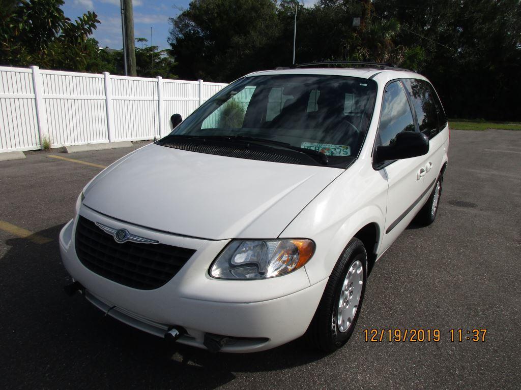 2004 Chrysler Town & Country Family Value