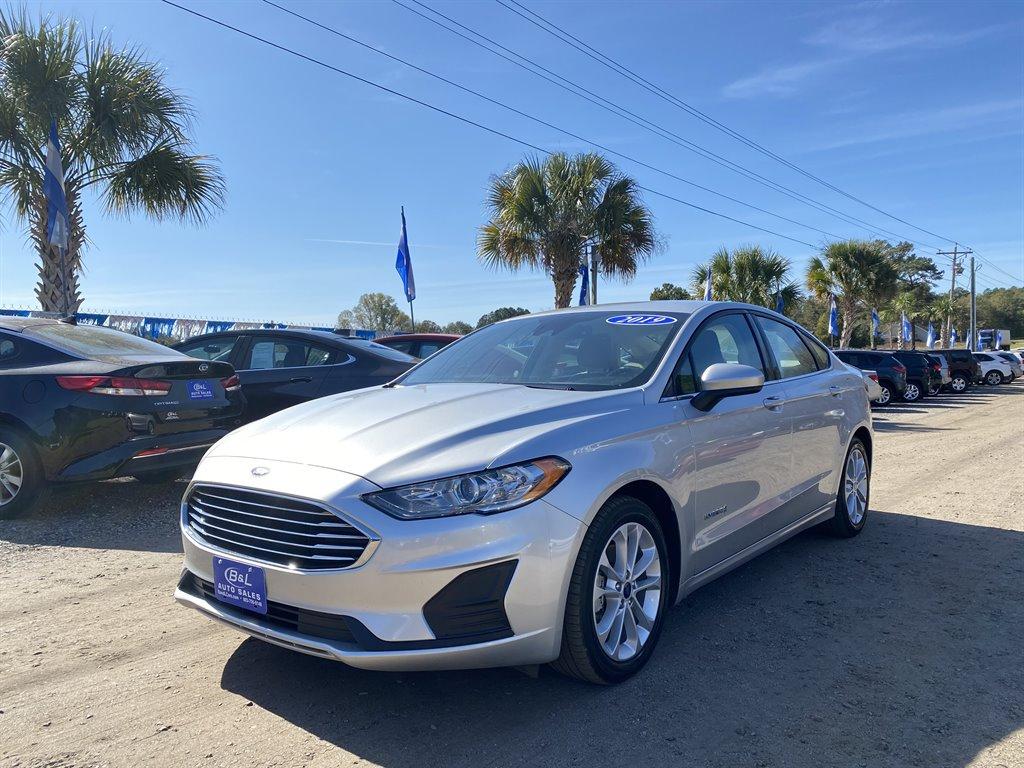 2019 Ford Fusion SE Hybrid photo