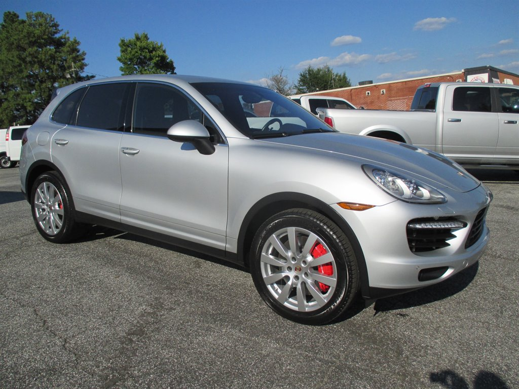 2014 Porsche Cayenne Turbo photo