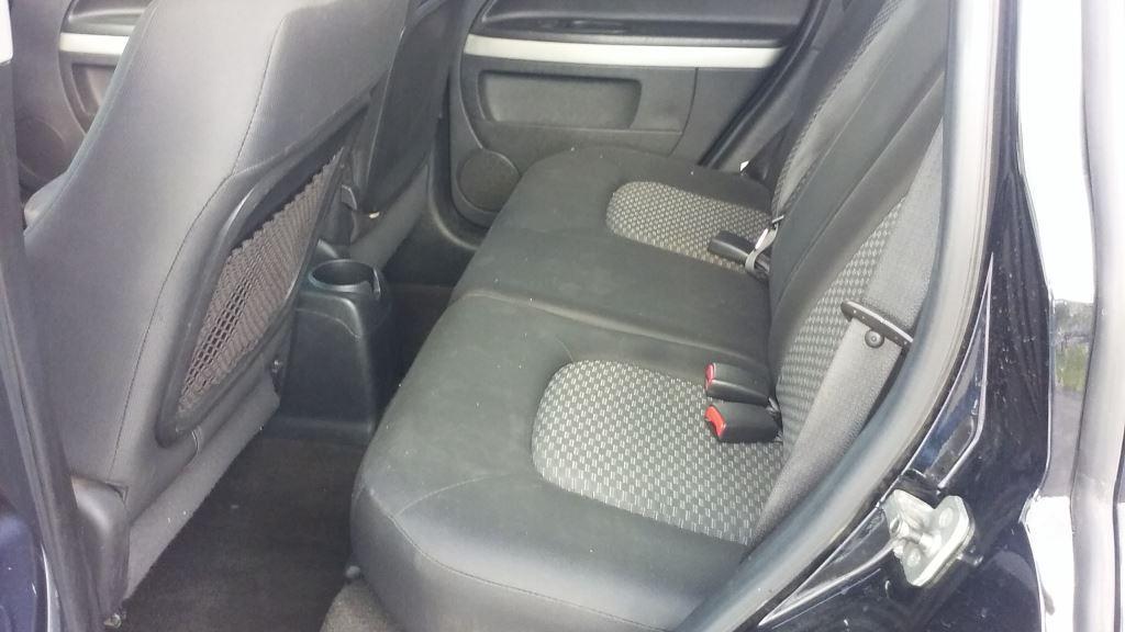 2010 Chevrolet HHR LS photo