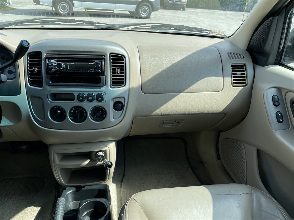 2003 Ford Escape Limited photo