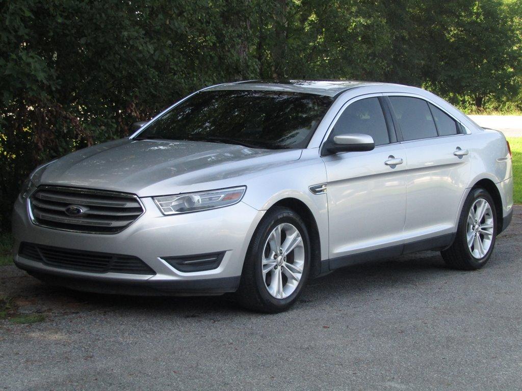 2013 Ford Taurus SEL photo
