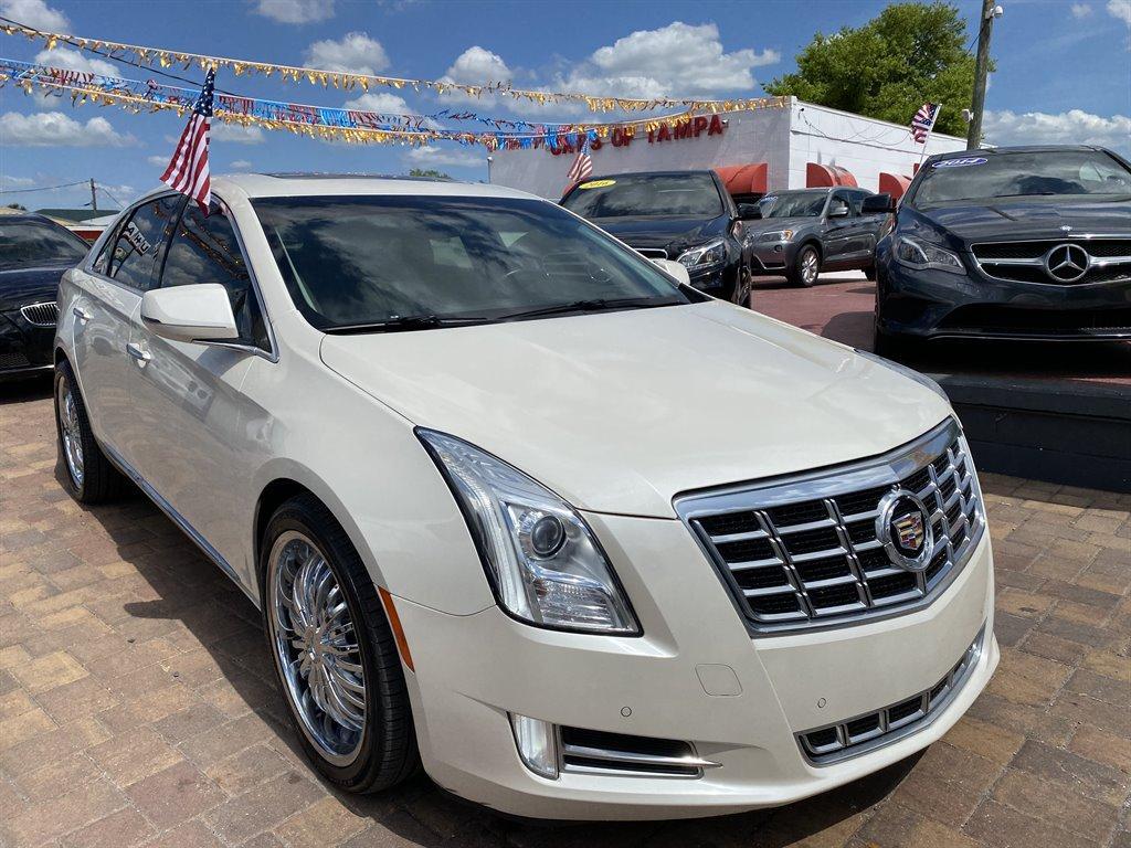 2013 Cadillac XTS Premium Collection photo