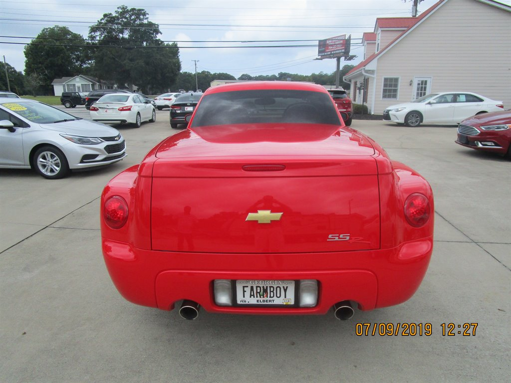2004 Chevrolet SSR LS photo