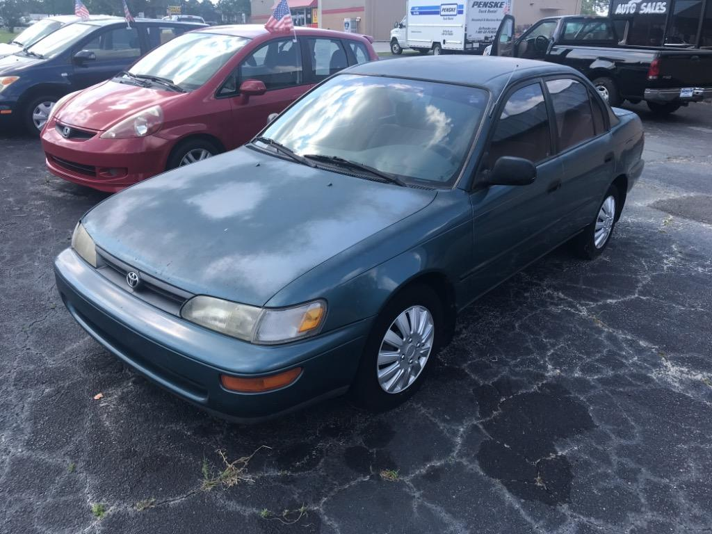 1995 Toyota Corolla DX photo