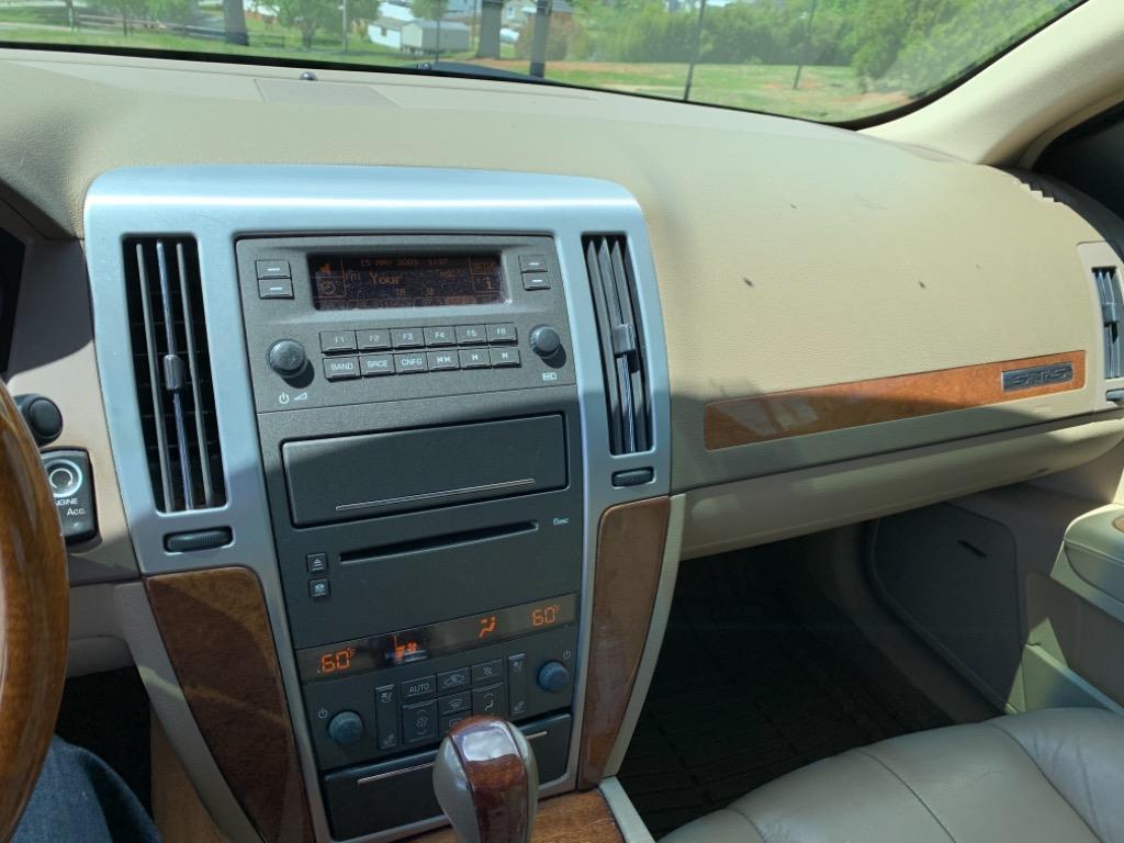 2010 Cadillac STS V6 Luxury photo