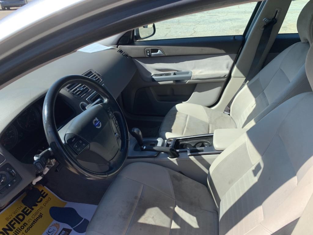 2008 Volvo S40 2.4i photo