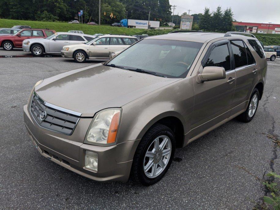 2004 Cadillac SRX photo
