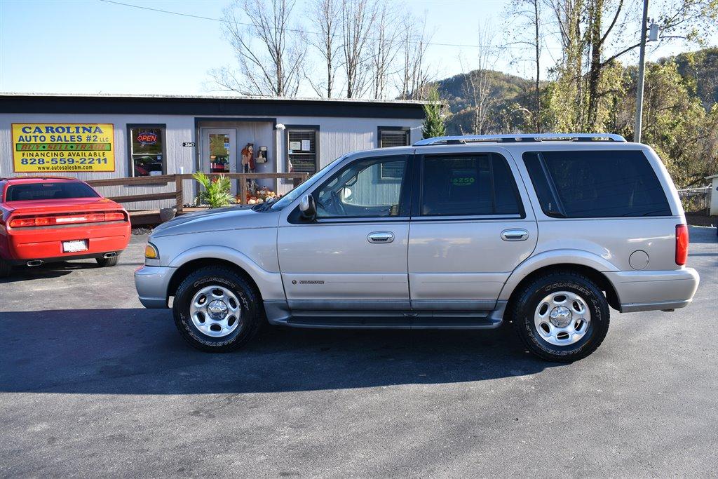 2002 Lincoln Navigator photo