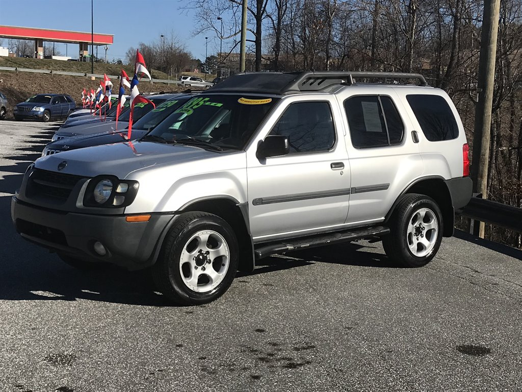 2004 Nissan Xterra XE photo