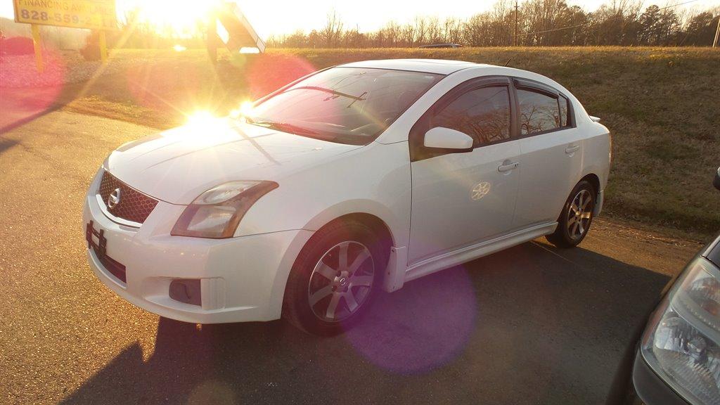 2012 Nissan Sentra 2.0 photo