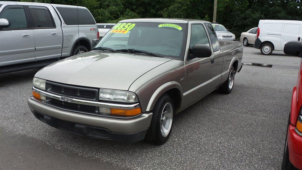 2003 Chevrolet S-10 photo