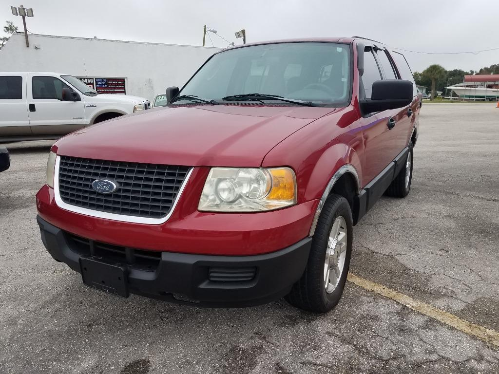 The 2004 Ford Expedition XLS photos