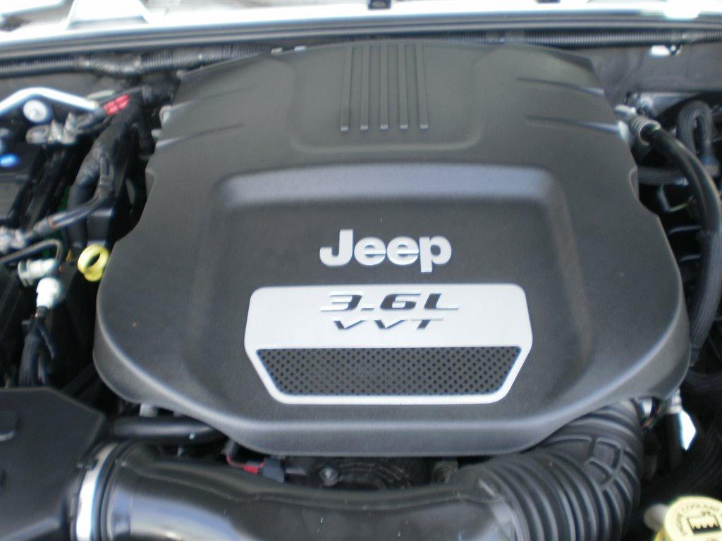 2013 Jeep Wrangler Unlimited Sahara photo