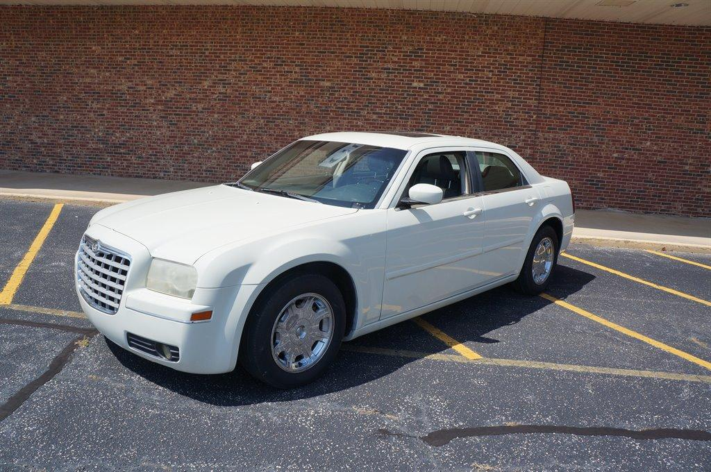 2005 Chrysler 300 Touring photo